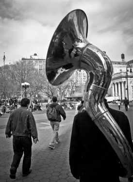 black-and-white-city-walking-music.jpg